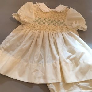🐣🐰🐥Polly Flinders Smocked Dress Bloomers 9 Mos